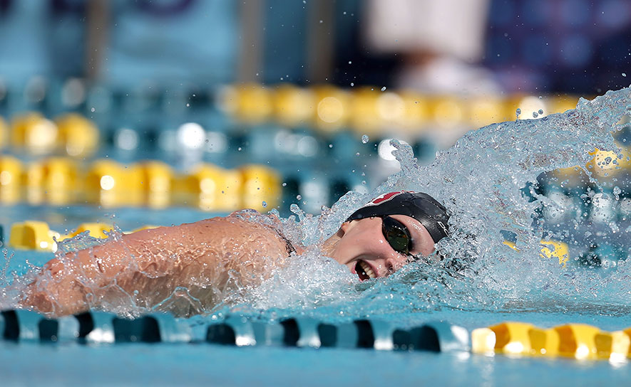 Katie ledecky in action on Day 1 of the Arena Pro Series in Mesa (USA Swimming)