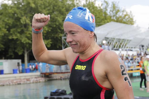 Aurélie Muller once again won the 10km world title in open water, almost a year after her disillusionment with Rio. (Reuters)