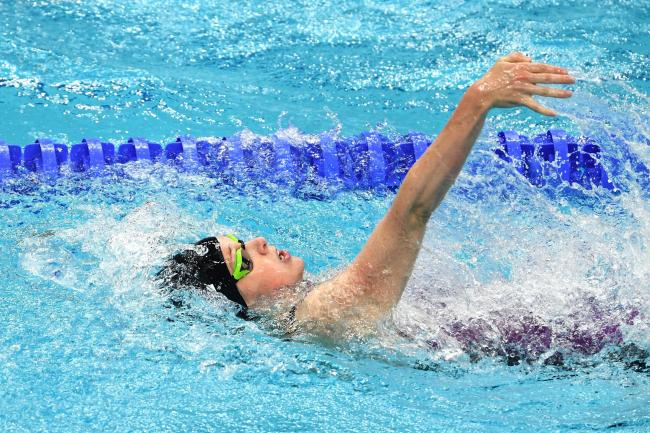 Hannah miley back in love with swimming after olympic blues zwemza for Disadvantage of indoor swimming pool