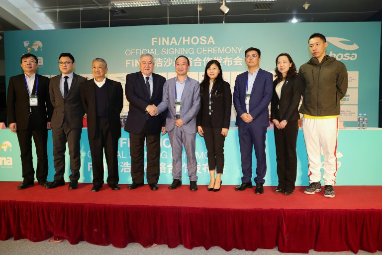 he extended agreement was signed at the FINA Diving World Series opener in Beijing ©FINA